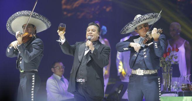 636076524376884847-MAIN-Juan-Gabriel-Concert
